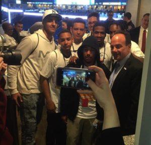 Kids pose with Mayor Joseph P. Ganim. (Photo courtesy of Bridgeport Prospers)